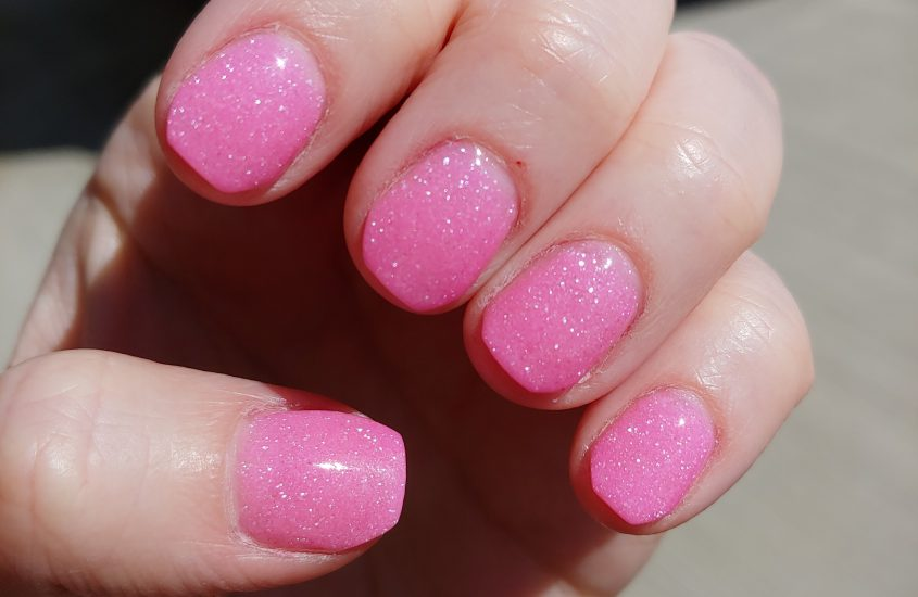 AT HOME DIP POWDER MANICURES